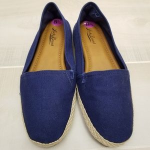 {8.5} NWT Lucky Brand Royal Blue Espadrilles